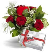 Red bouquet with chocolates