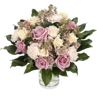 Bouquet of pink and creme