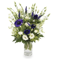 Bouquet of blue and white