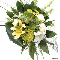 A green / yellow / white bouquet